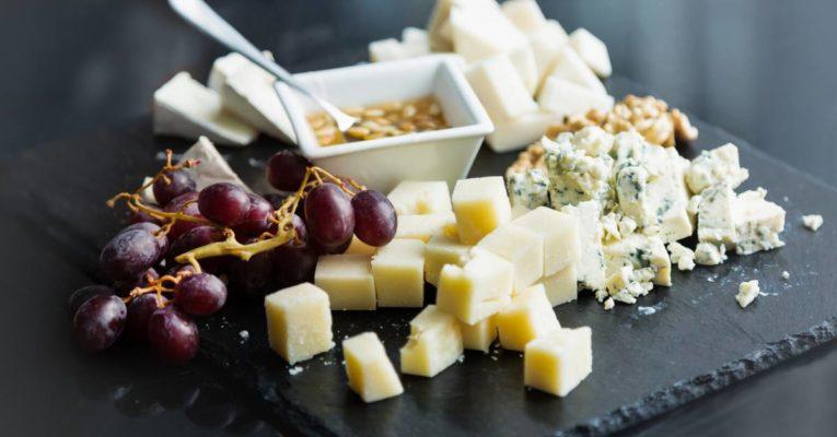 Paroles de Fromagers, l'art des fromages et vins